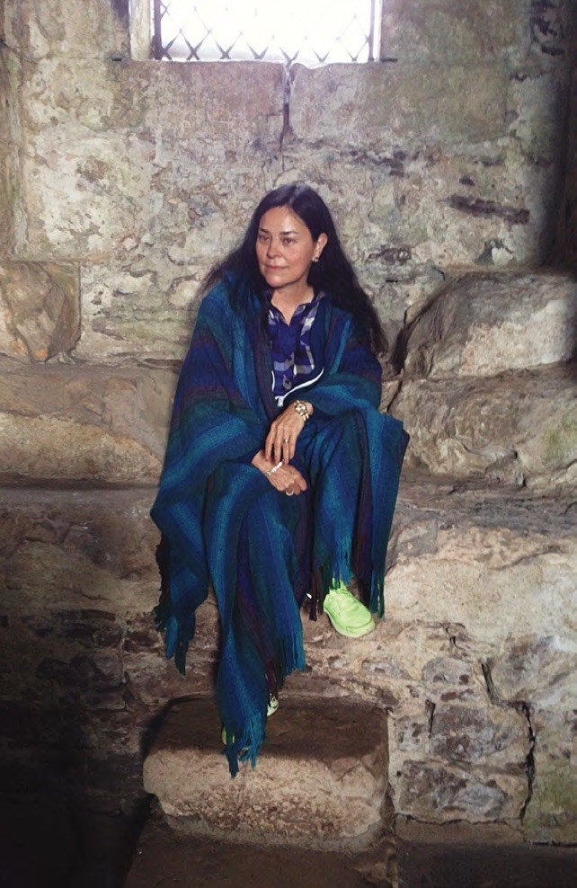 Diana Gabaldon At Doune Castle Faerie Magazine Outlander